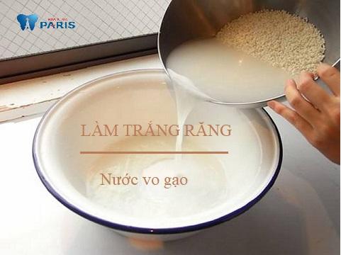 Cách làm trắng răng bằng nước vo gạo